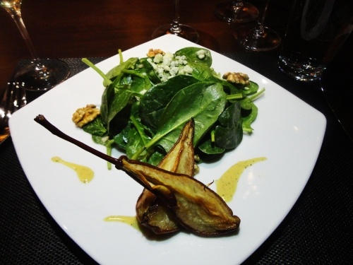 Organic Baby Spinach & Caramelized Pears with toasted walnuts, and gorgonzola
