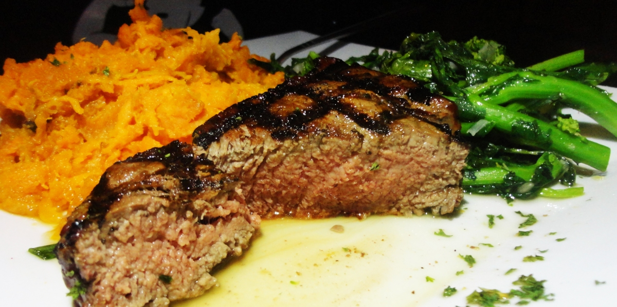 The Shepherd & The Knucklehead Pub & Steakhouse Steak