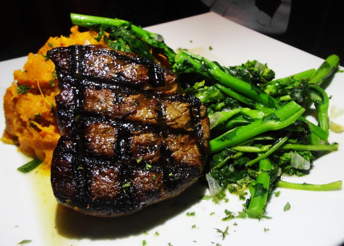 Knucklehead's Steak
